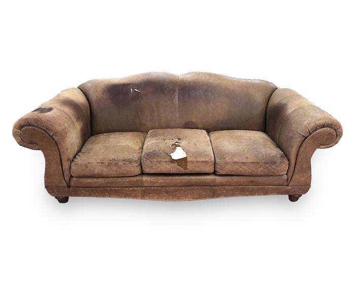 divano ralph-lourent prima del restauro fronte