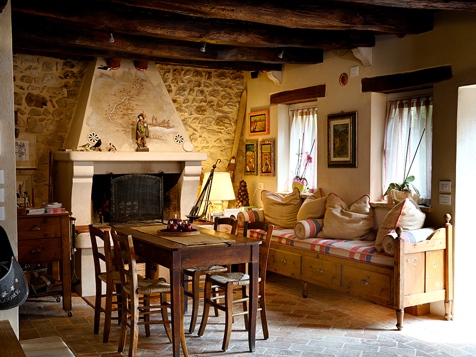 panca e tavolo taverna